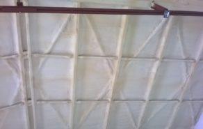 polyuretanová izolace stropu